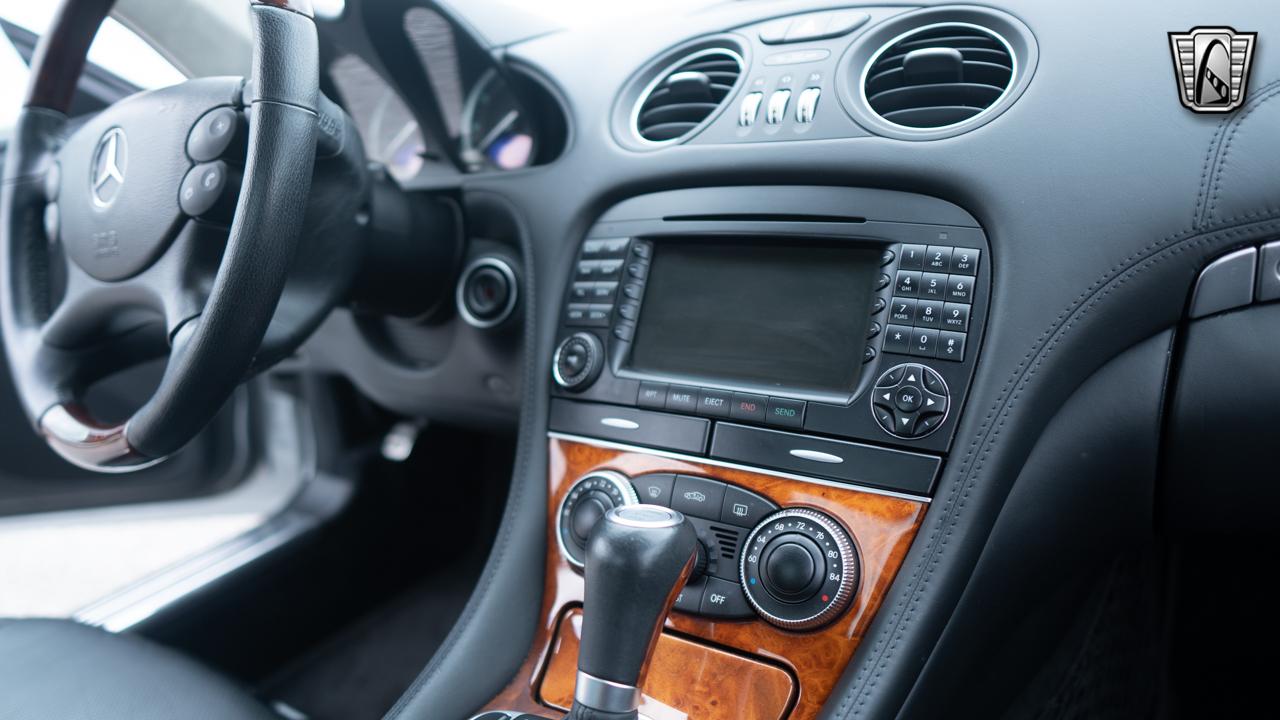 2007 Mercedes-Benz SL600 25