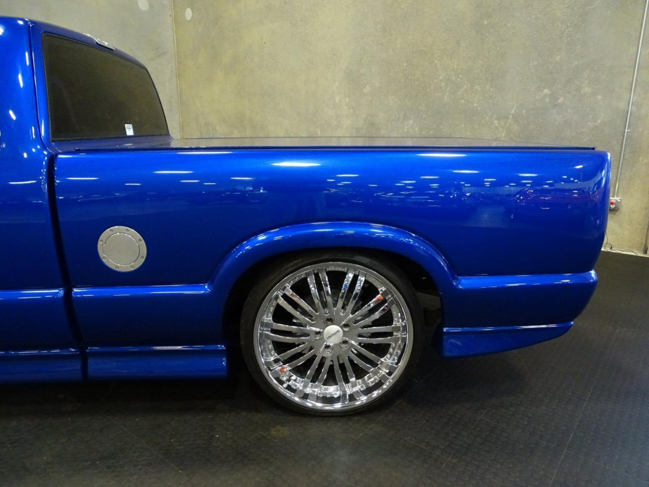 2001 Chevrolet S10 7