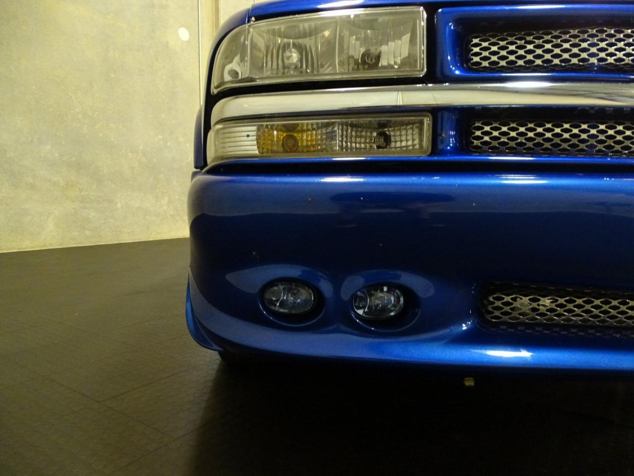 2001 Chevrolet S10 11