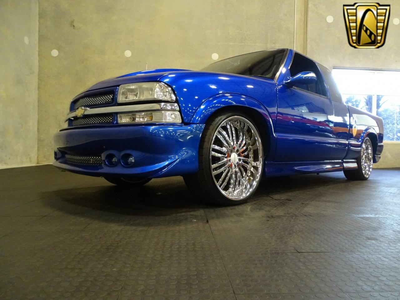 2001 Chevrolet S10 14