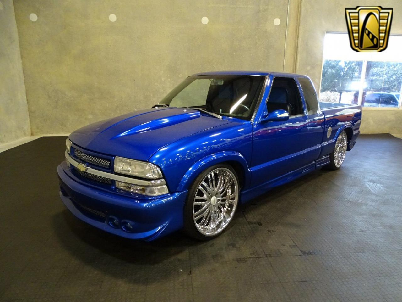 2001 Chevrolet S10 19