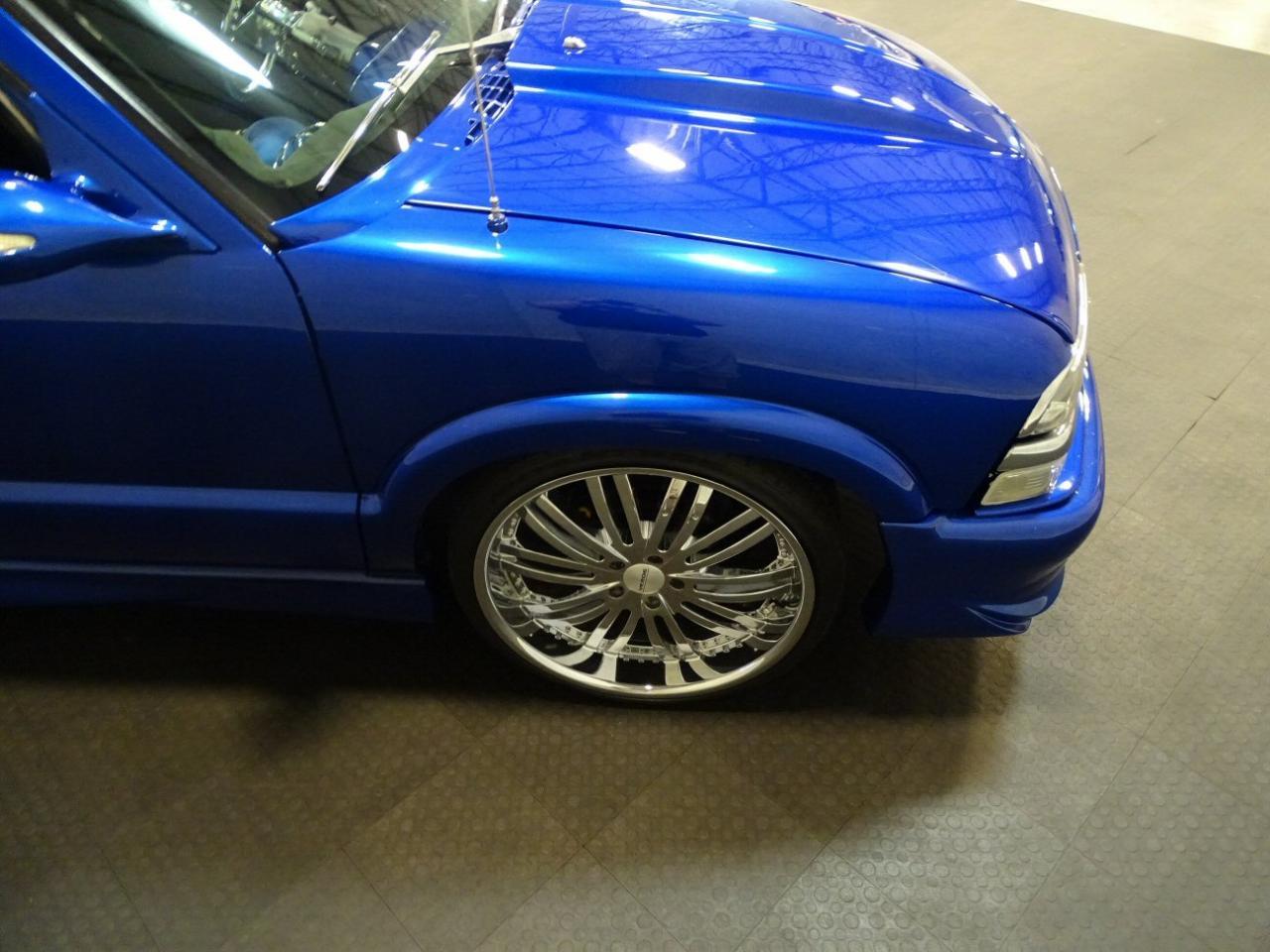 2001 Chevrolet S10 35