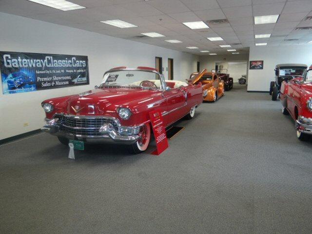 SHOWROOMS Gateway Classic Cars