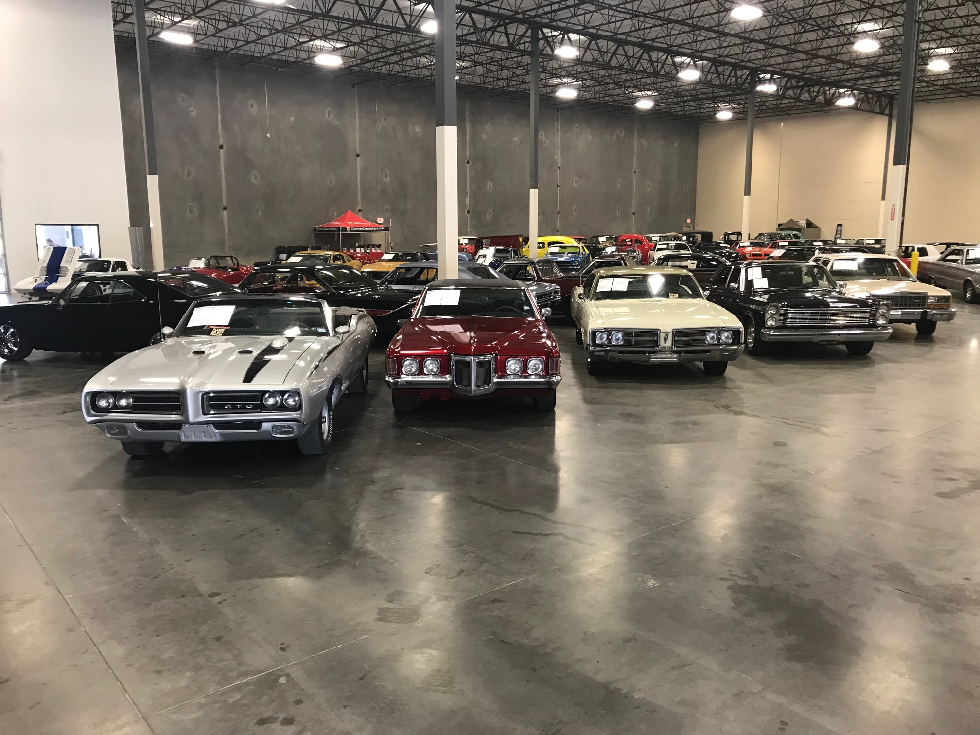 Dallas Showroom Contact and Directions | Gateway Classic Cars