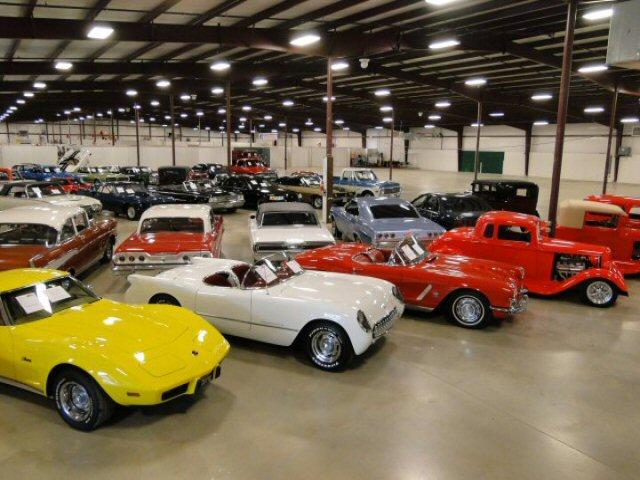 Nissan Dealership Las Vegas >> SHOWROOMS | Gateway Classic Cars